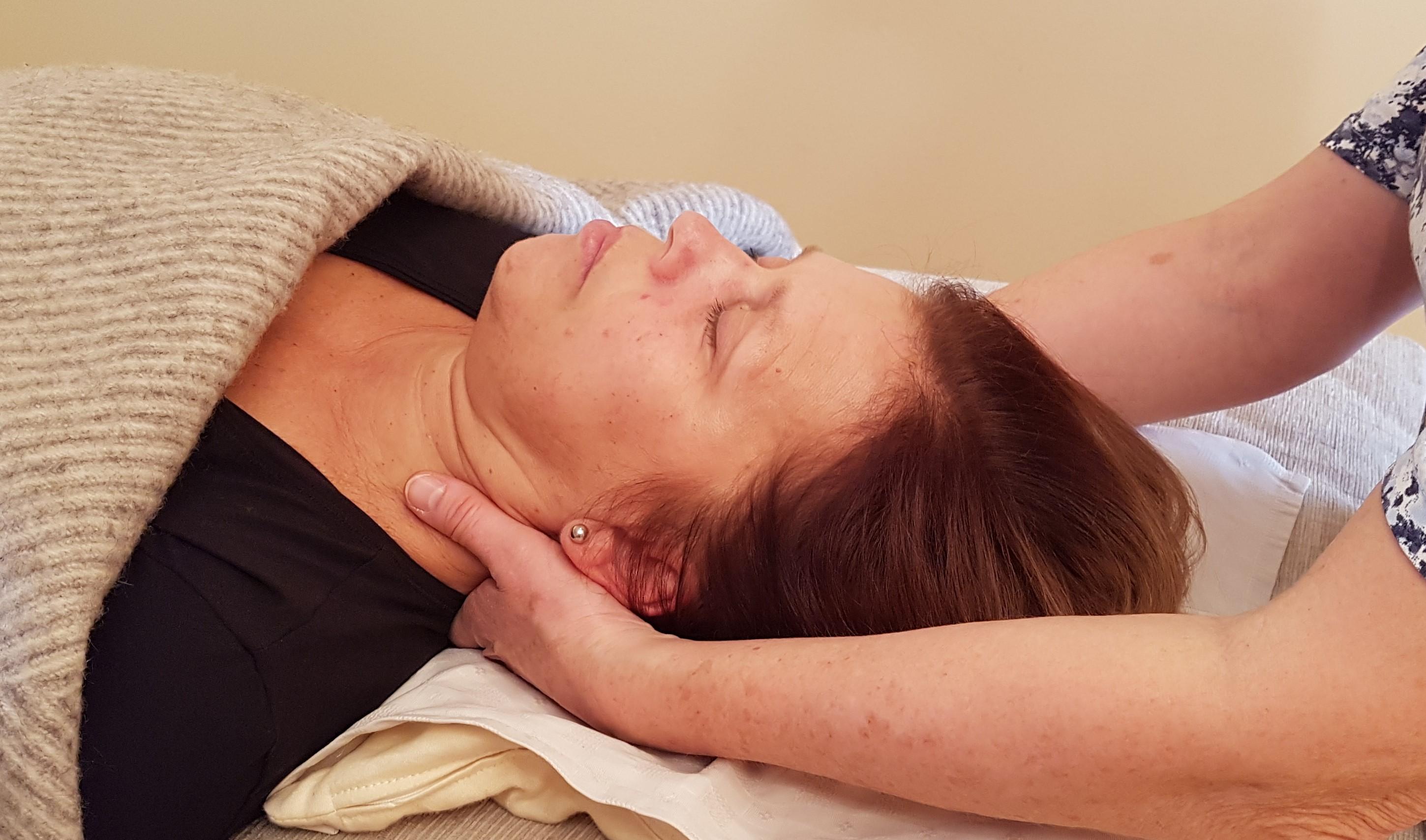 Afspændingsbehandlinger og psykomotorik lindre kroniske og uforklarlige smerter